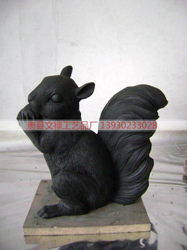 铜松鼠_铜雕松鼠_动物雕塑_铸铜松鼠厂家